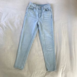 Topshop mom jeans light wash high waisted 25